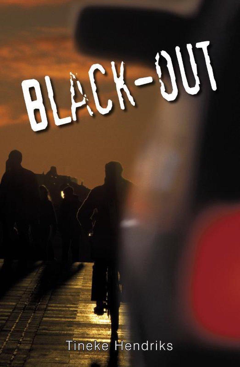 Tineke Hendriks - Black-out